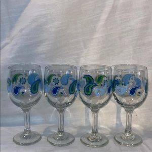 Dining - NEW 4 pc Blue Paisleys Wine Glass Set